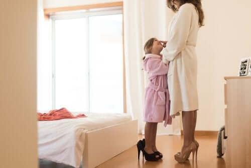 Yhteensopivien vaatteiden käyttäminen lapsen kanssa