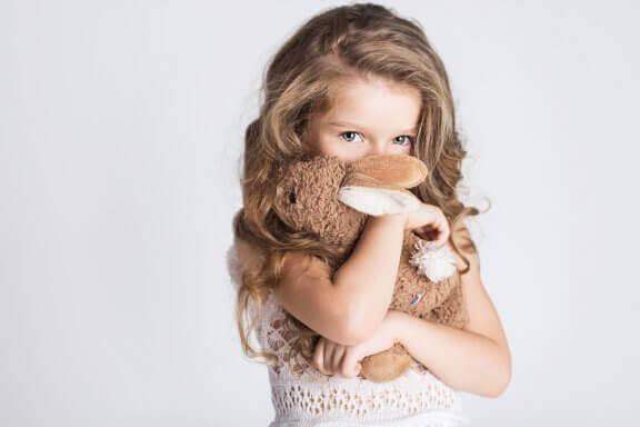 Milloin lapsi tuntee häveliäisyyttä?
