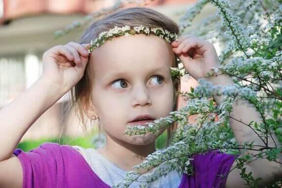 Kuinka valmistat lapselle kukkapannan