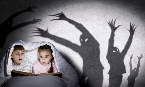 Kuinka kertoa kummitustarinoita lapselle ja mitä hyötyä näistä tarinoista on?