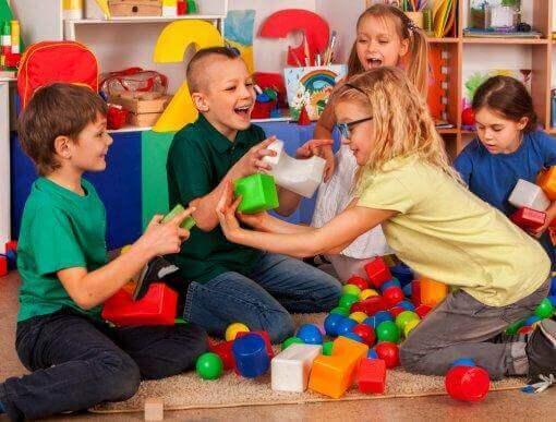 Sosiaalisten taitojen opettaminen lapsille