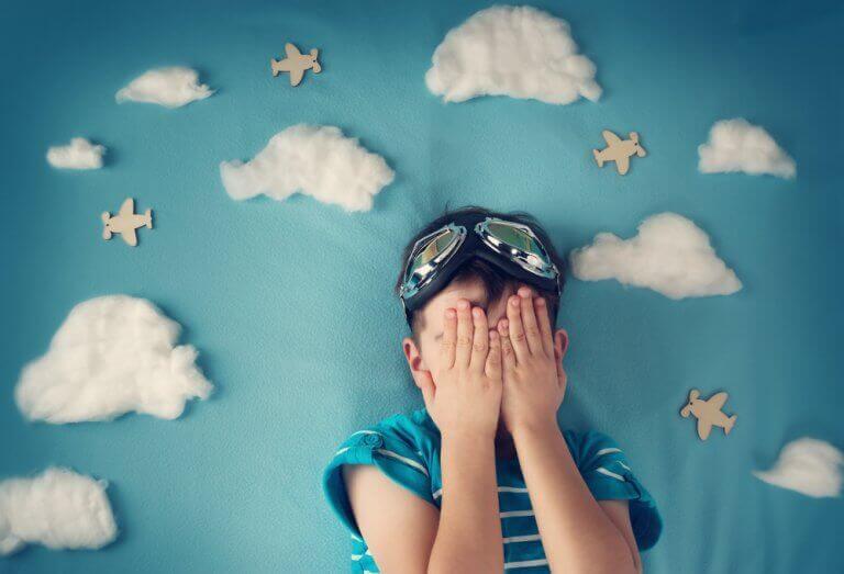 Miksi lapsi pelkää nukkua kodin ulkopuolella?