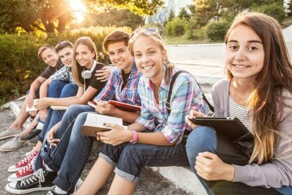 Miksi teini-ikäiset ovat vaikutuksille alttiita?