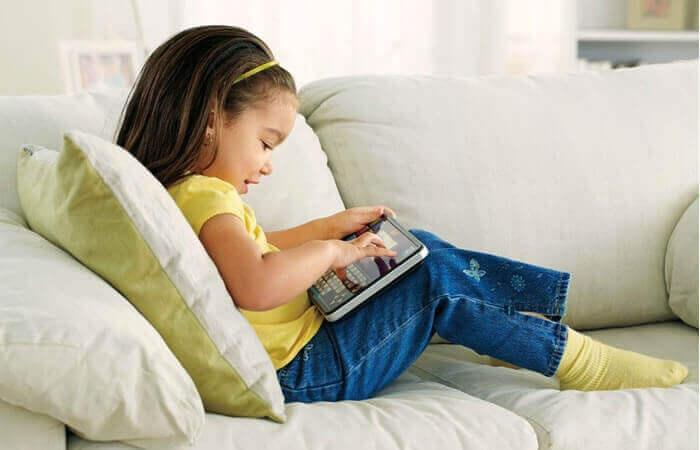 Lasten istuva elämäntapa ja vinkkejä sen torjumiseen