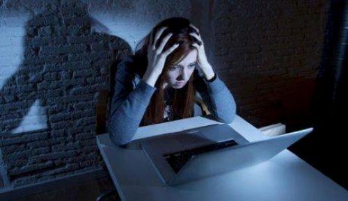 Nettikiusaaminen voi seurata myös koulun ulkopuolelle