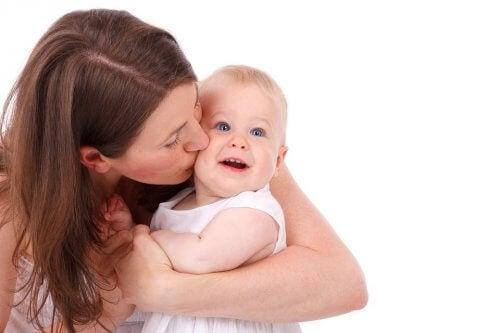 Vauvan ensimmäiset hampaat