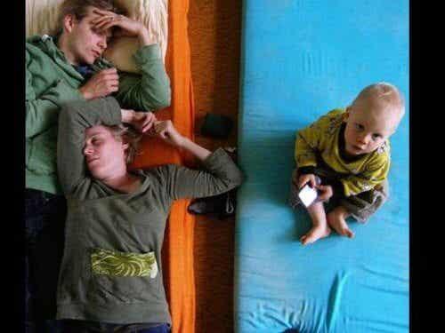 Tuoreet vanhemmat kamppailevat saadakseen riittävästi unta