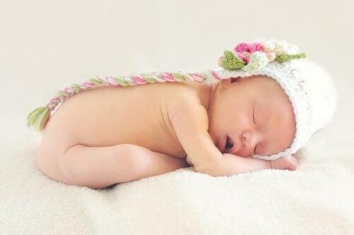 4-6 kuukauden ikäisen vauvan unen tarve