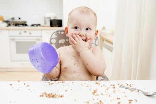 Näin onnistuu vauvanruoasta vieroitus