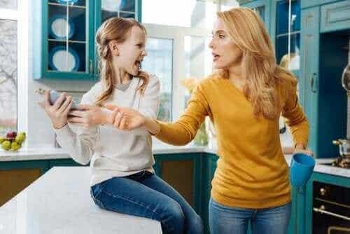 Saavatko vanhemmat seurata lapsensa käyttäytymistä sosiaalisessa mediassa?