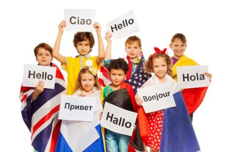 6 eniten puhuttua kieltä tulevaisuudessa