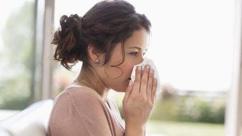 Kuinka hoitaa raskauden aikaista flunssaa?