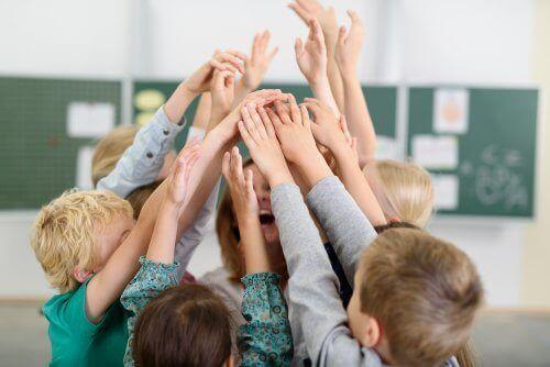 Joustava istumajärjestys innostaa oppilaita.
