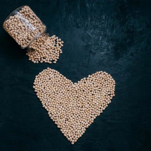 Aitoa ravintoa -ruokafilosofia kannustaa terveelliseen ja monipuoliseen ruokavalioon