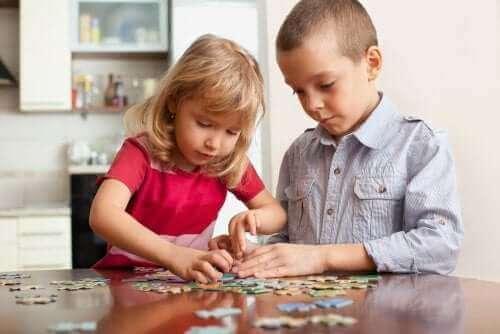 Kuusi mielenharjoitusleikkiä lapselle