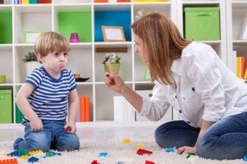 Mitä tehdä, kun lapsi ei kunnioita vanhempiaan?