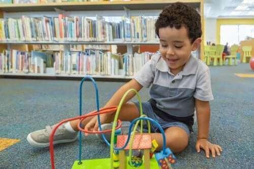 Miksi lapsi kannattaa tutustuttaa kirjastoon?