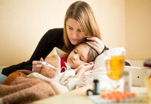 Kannattaako parasetamolin ja ibuprofeenin käyttöä vuorotella lapsen sairastaessa?