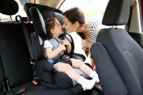 Lasten turvaistuimet ja niitä koskevat määräykset