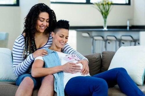 Munasolun luovutus mahdollistaa lisääntymisen naispareille
