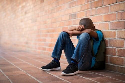 Itsensä vahingoittaminen teini-iässä