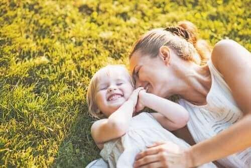 3 lastenkirjaa yksinhuoltajaperheistä - Arvaa kuinka paljon sinua rakastan.