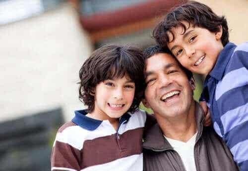 3 yksinhuoltajaperheistä kertovaa lastenkirjaa
