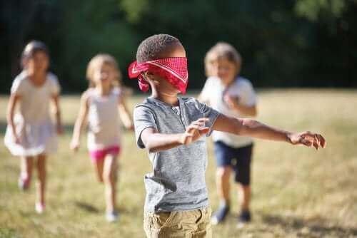 Lapsen tuntoaistin stimuloiminen 5 harjoituksen avulla