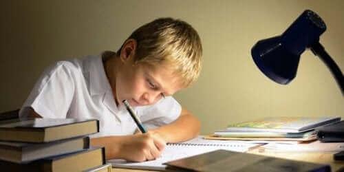 Hyvät opiskelutottumukset takaavat hyvän koulumenestyksen