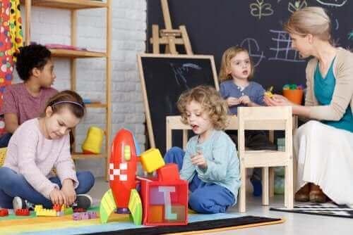 Lapsen taitoja kehittävät leikit