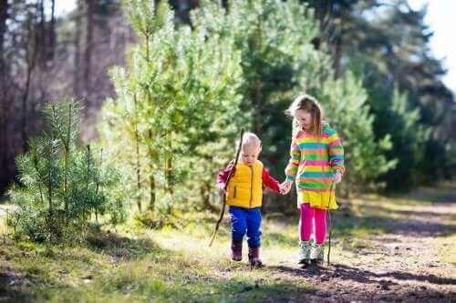 Vanhempien on tärkeää opettaa lapselle luonnosta jo pienestä pitäen