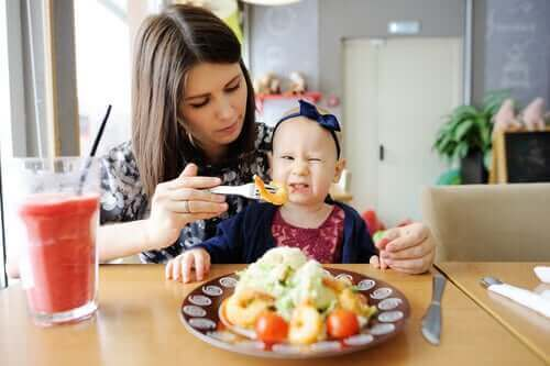 Kuinka saada lapsi syömään enemmän kasviksia?