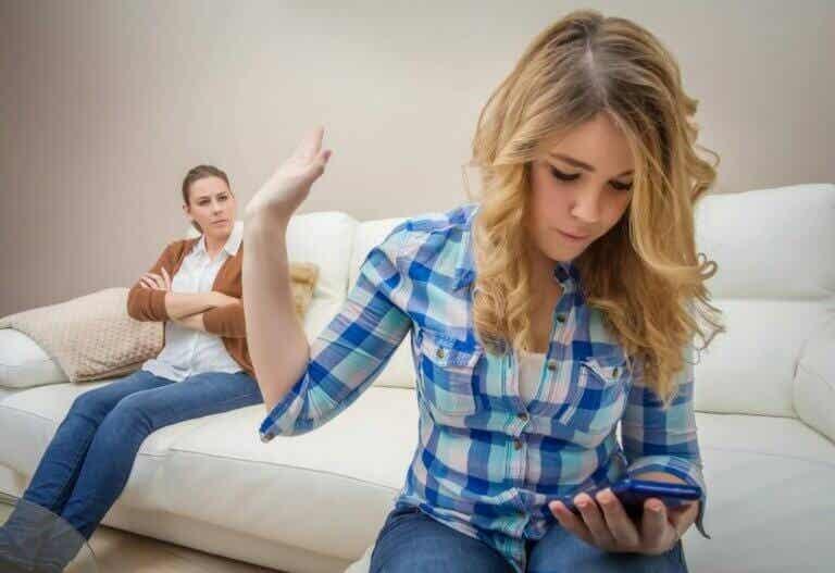 Kysy nämä 6 kysymystä ennen kuin hankit lapselle älypuhelimen