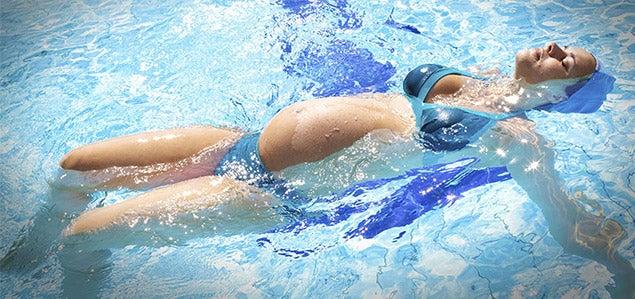 Uinti on terveellinen ja turvallinen liikuntamuoto odottaville äideille