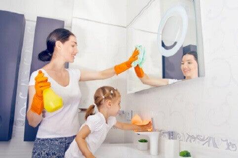 Montessorin kasvatusmenetelmiä voi hyödyntää myös kotona