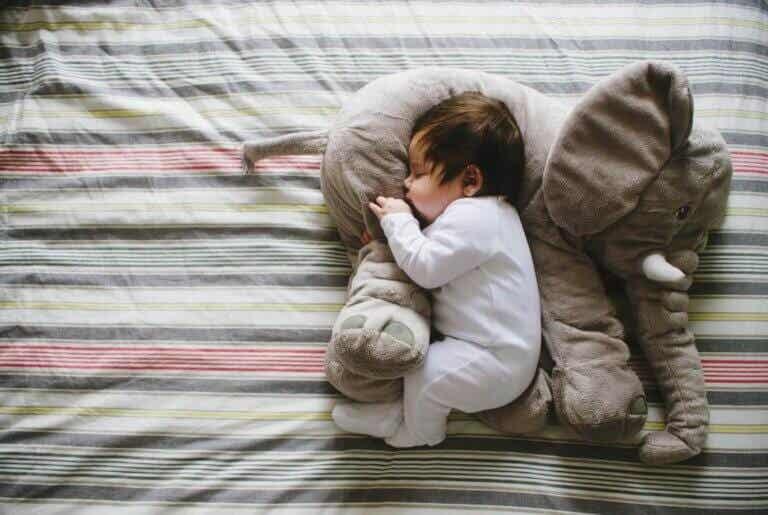Näin opetat 2-5-vuotiaan lapsen nukkumaan