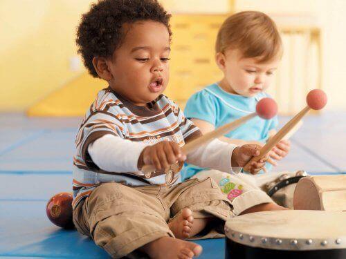 Musiikki voi tehostaa lapsen luovuutta