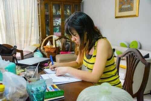 Yleiset huonot opiskelutavat, joita kannattaa pyrkiä välttämään
