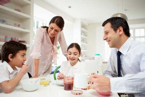 Miksi perheen sisäinen vuorovaikutus on niin tärkeää?