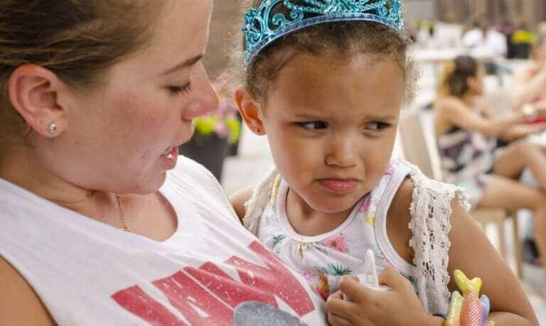 Kuinka kasvattaa lapsi ilman kieltämistä?