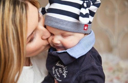 15 käytännöllistä vinkkiä uudelle äidille