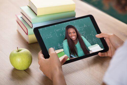 Verkko-opiskelu kehittää lapsen itsenäisyyttä