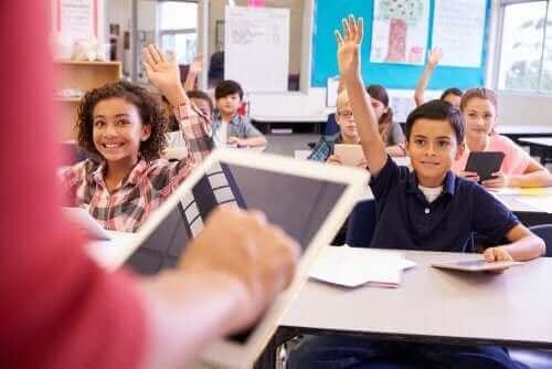 Luokan uusiminen voi aiheuttaa ahdistusta ja stressiä oppilaalle
