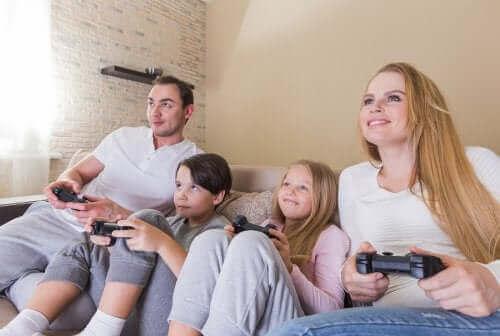 Kannattaako vanhempien olla ystäviä lastensa kanssa?