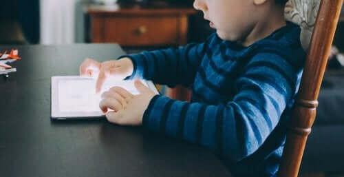 5 sovellusta piirtämiseen ja värittämiseen lapsille