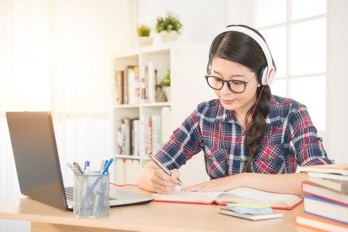 Virtuaalikoulutus on joustava opiskelumuoto.