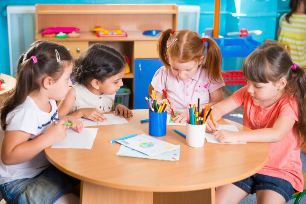 Kannattaisiko opiskelu aloittaa jo alle 3-vuotiaana?