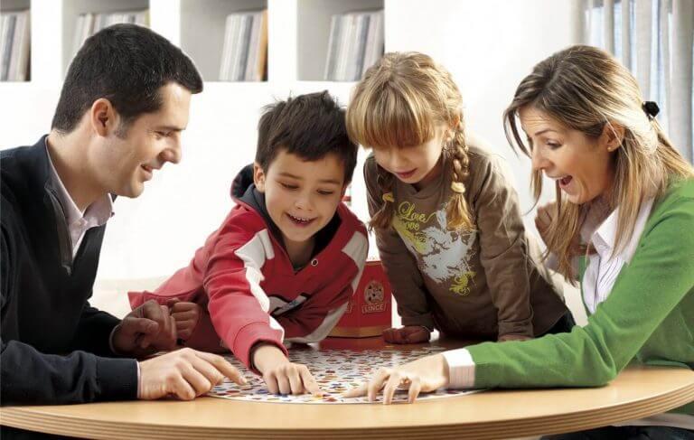Lapsen kanssa leikkiminen voi tehdä hänestä älykkäämmän
