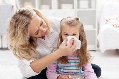 Mistä lapsen nenäverenvuoto johtuu ja miten sitä hoidetaan?