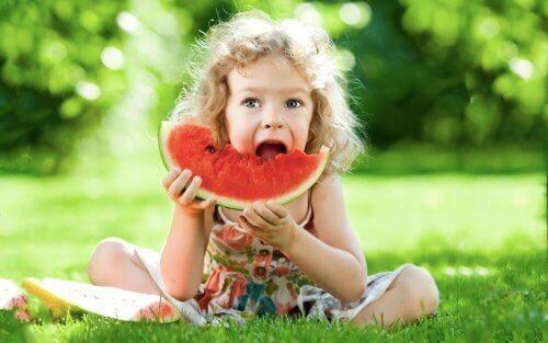 Terveelliset välipalavaihtoehdot lapsille